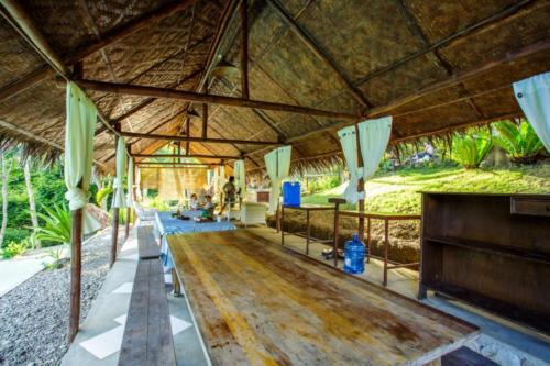 Poolside Lounge 1 (1280x853)